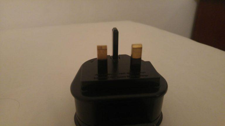 תקע חשמלי בסיישל