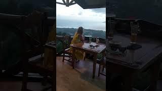 מסעדת Belle vue, נמצאת בפסגת האי למעלה